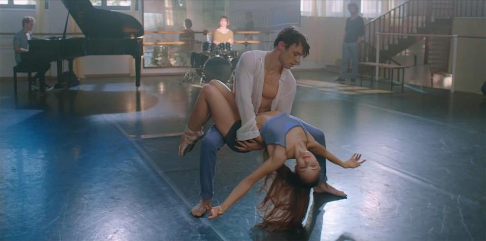 """<p>A choreographer decides to cast a dancer and an innovative pianist in a hot new Broadway show, but when two people on set fall for each other, love is undeniably in the air.</p> <p>Watch <a href=""""https://www.netflix.com/search?q=High%20Strung%20Free%20Dance&amp;jbv=81256457"""" class=""""link rapid-noclick-resp"""" rel=""""nofollow noopener"""" target=""""_blank"""" data-ylk=""""slk:High Strung Free Dance""""><strong>High Strung Free Dance</strong></a> on Netflix now.</p>"""