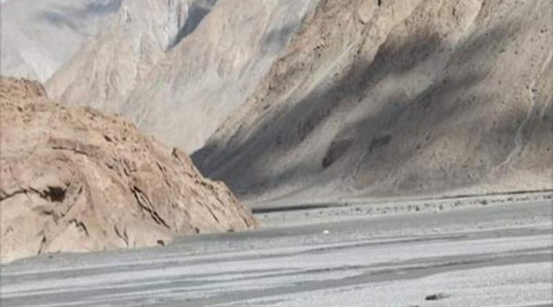 India China Face-off in Ladakh: 4 Indian Soldiers in Critical Condition After Violent Clash With Chinese Troops in Galwan Valley, Says Report
