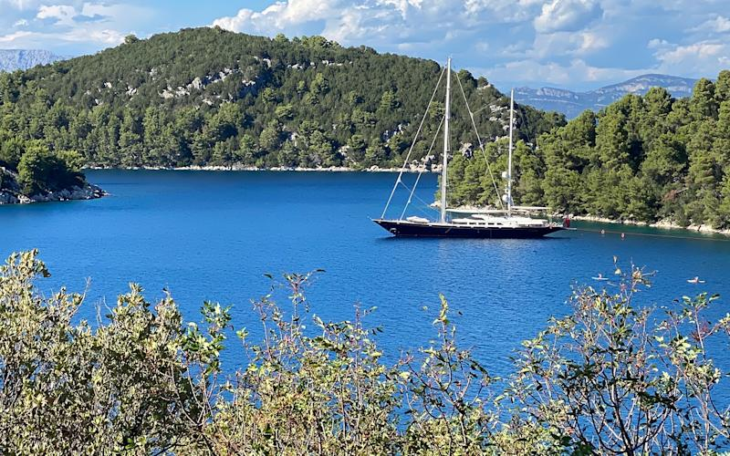 A yacht near Mljet - adam batterby