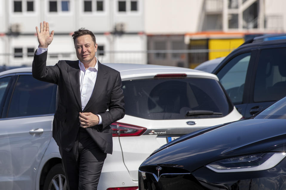 Elon Musk bei Teslas neuer Gigafactory nahe Berlin (Photo by Maja Hitij/Getty Images)
