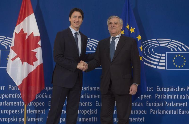 Trudeau pushes trade pact in EU summit as France moves ahead on CETA