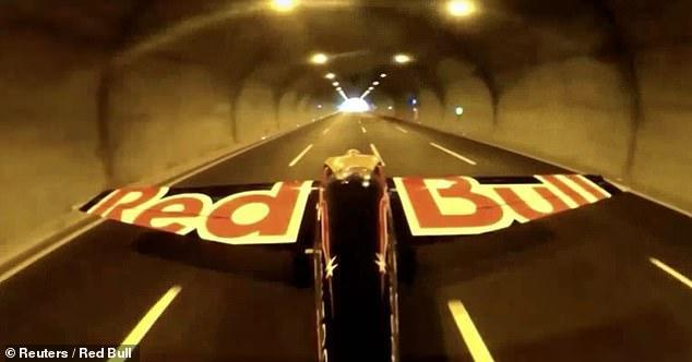 A pilot flies through two road tunnels at 245 Kph, bags Guinness World Record
