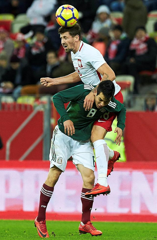 Soccer Football - International Friendly - Poland vs Mexico - Energa Stadium, Gdansk, Poland - November 13, 2017 Mexico's Hirving Lozano in action with Poland's Pawel Wszolek Agencja Gazeta/Jan Rusek via REUTERS POLAND OUT. NO COMMERCIAL OR EDITORIAL SALES IN POLAND THIS IMAGE HAS BEEN SUPPLIED BY A THIRD PARTY.