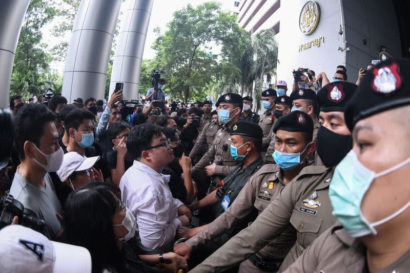 Thai protesters stage anti-government rally despite activists release