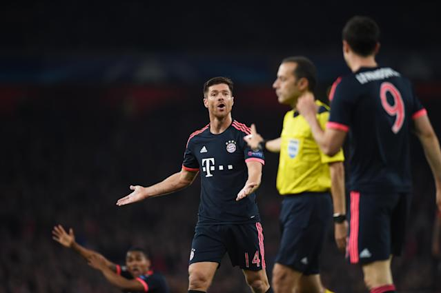 Football - Arsenal v Bayern Munich - UEFA Champions League Group Stage - Group F - Emirates Stadium, London, England - 20/10/15 Bayern Munich's Xabi Alonso appeals to referee Cuneyt Cakir for handball Action Images via Reuters / Tony O'Brien Livepic EDITORIAL USE ONLY.