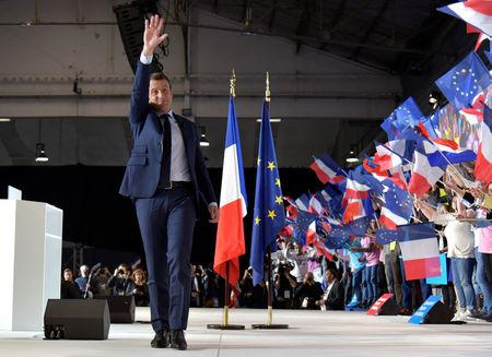 Emmanuel Macron, head of the political movement En Marche !, or Onwards !, and candidate for the 2017 French presidential election, attends a campaign rally in Marseille, France, April 1, 2017.  REUTERS/Philippe Laurenson