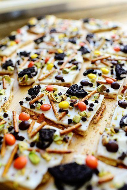 """<p>Need a guaranteed crowd-pleaser for your annual Halloween bash? This bark is a surefire winner. </p><p><strong><a href=""""https://thepioneerwoman.com/cooking/halloween-bark/"""" rel=""""nofollow noopener"""" target=""""_blank"""" data-ylk=""""slk:Get the recipe"""" class=""""link rapid-noclick-resp"""">Get the recipe</a>.</strong></p><p><strong><a class=""""link rapid-noclick-resp"""" href=""""https://go.redirectingat.com?id=74968X1596630&url=https%3A%2F%2Fwww.walmart.com%2Fbrowse%2Fhome%2Ffood-storage-containers%2Fthe-pioneer-woman%2F4044_623679_1032619_5842891%2FYnJhbmQ6VGhlIFBpb25lZXIgV29tYW4ie&sref=https%3A%2F%2Fwww.thepioneerwoman.com%2Ffood-cooking%2Fmeals-menus%2Fg32110899%2Fbest-halloween-desserts%2F"""" rel=""""nofollow noopener"""" target=""""_blank"""" data-ylk=""""slk:SHOP FOOD STORAGE"""">SHOP FOOD STORAGE</a><br></strong></p>"""