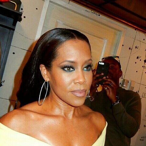 "<p>Tired of your eye shadow palette? There's another way to add a pop of color into your look: colorful eyeliner. Regina King's flattering teal eyeliner is the perfect example of how to rock mature yet playful makeup.</p><p><a href=""https://www.instagram.com/p/BSR9c36hJlW/&hidecaption=true"" rel=""nofollow noopener"" target=""_blank"" data-ylk=""slk:See the original post on Instagram"" class=""link rapid-noclick-resp"">See the original post on Instagram</a></p>"