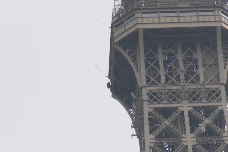 Eiffel Tower Evacuated After Climber Spotted on Monument, Visitors Asked to Postpone Visit