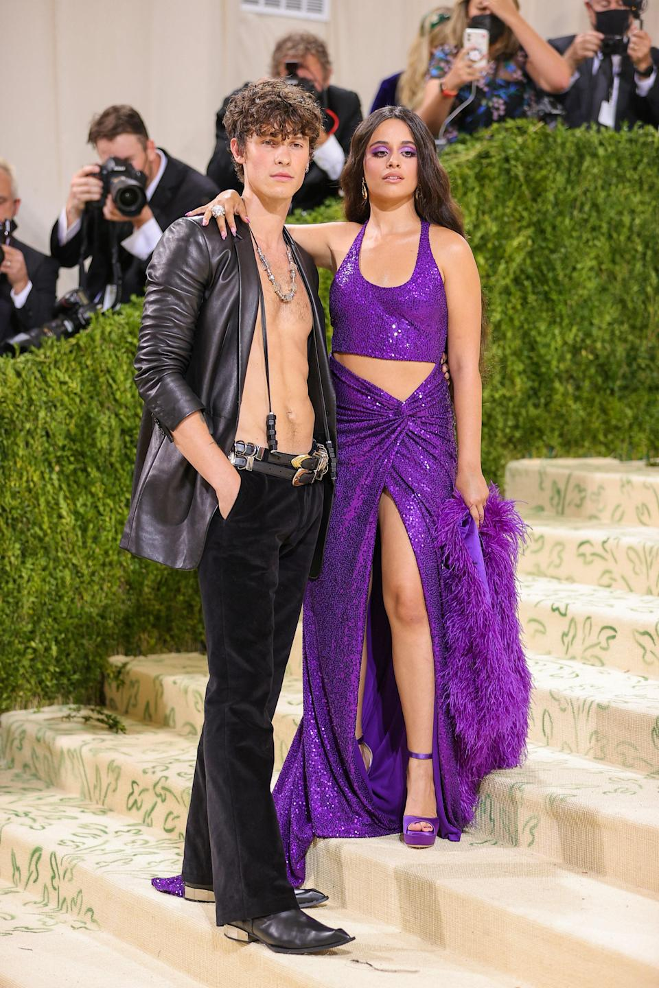 """<h1 class=""""title"""">Shawn Mendes and Camila Cabello in Michael Kors Collection and Jimmy Choo shoes</h1><cite class=""""credit"""">Photo: Getty Images</cite>"""