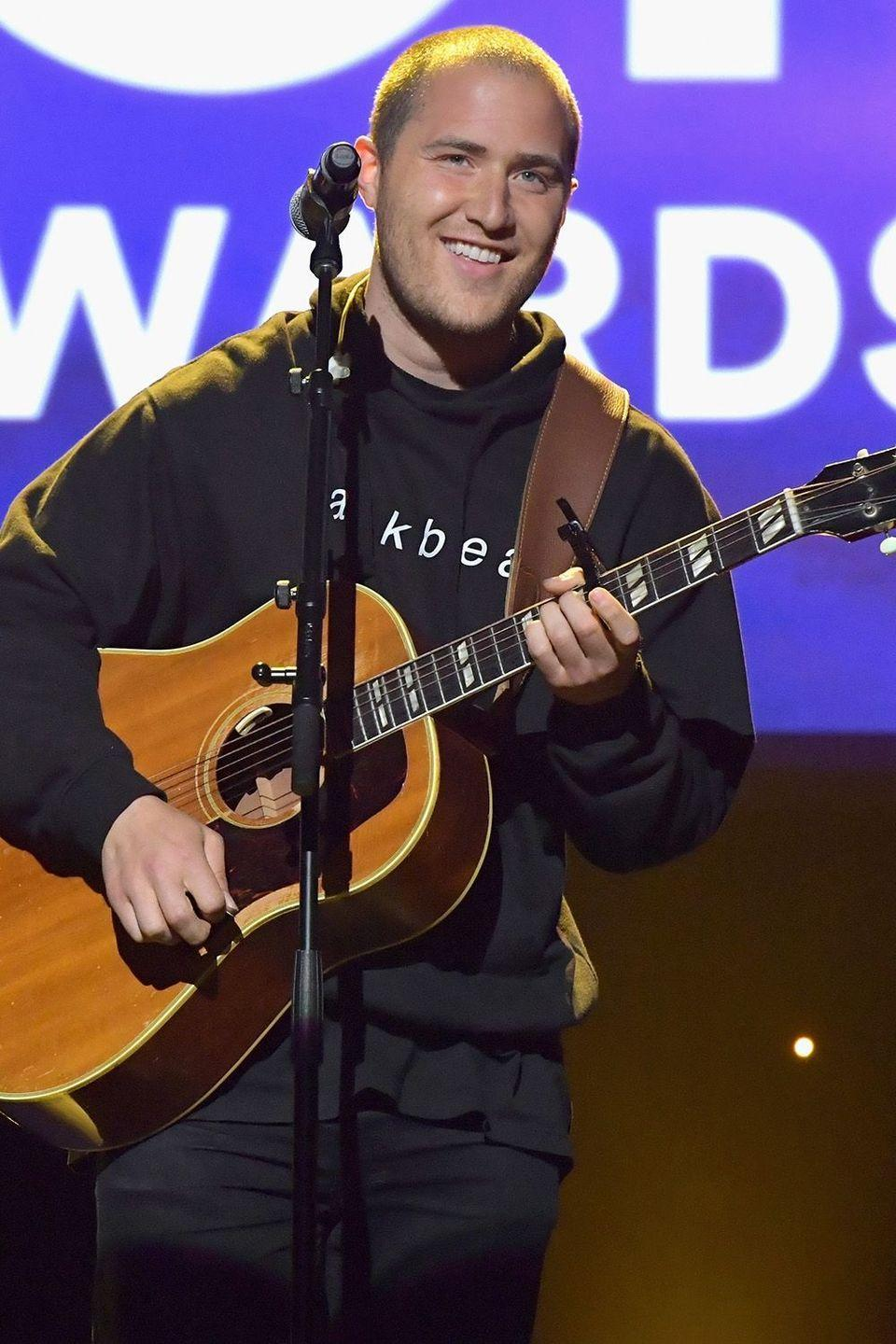 """<p>The singer publicly announced why he stopped drinking alcohol in a <a href=""""https://twitter.com/mikeposner/status/623507784752099328?lang=en"""" rel=""""nofollow noopener"""" target=""""_blank"""" data-ylk=""""slk:tweet"""" class=""""link rapid-noclick-resp"""">tweet</a> back in 2015 that was linked to a <a href=""""https://medium.com/@MikePosner/why-i-stopped-drinking-alcohol-fc3581913ae5"""" rel=""""nofollow noopener"""" target=""""_blank"""" data-ylk=""""slk:tell-all"""" class=""""link rapid-noclick-resp"""">tell-all</a> article on the subject. Posner explains his messy pattern of addition throughout the excerpt, noting """"I decided I couldn't let alcohol rob me of enjoying my life's special moments.""""</p>"""