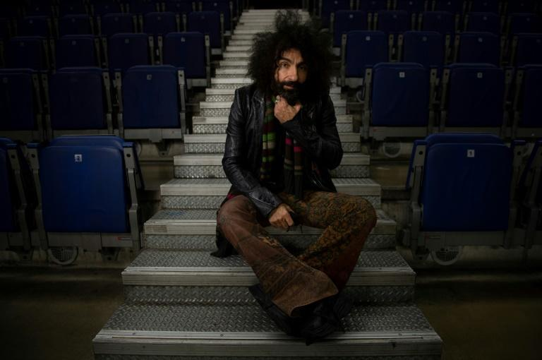 Born in Beirut in 1968 to an Armenian family, Malikian started playing the violin at a very young age, encouraged by his violinist father who has performed with legendary Lebanese singer Fairuz