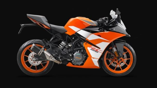 New KTM RC 125 ABS powered by a single-cylinder, 4-valve, DOHC, liquid-cooled, fuel injection, 124.7 cc engine that makes 14.5 PS and 12 Nm of peak torque. The motor is mated to a 6-speed constant mesh transmission.