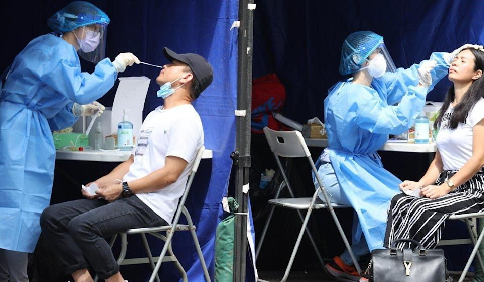 Government advisers have recommended antibody tests for arrivals. Photo: Nora Tam