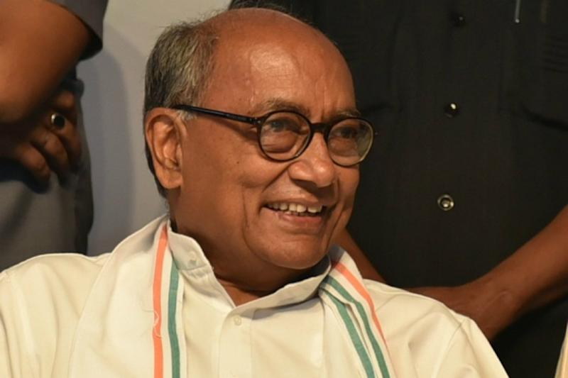 Seer Plans Hawan With 5.5 Quintal Red Chilli to Ensure Digvijaya's Victory, Says Would Take 'Samadhi' if he Loses