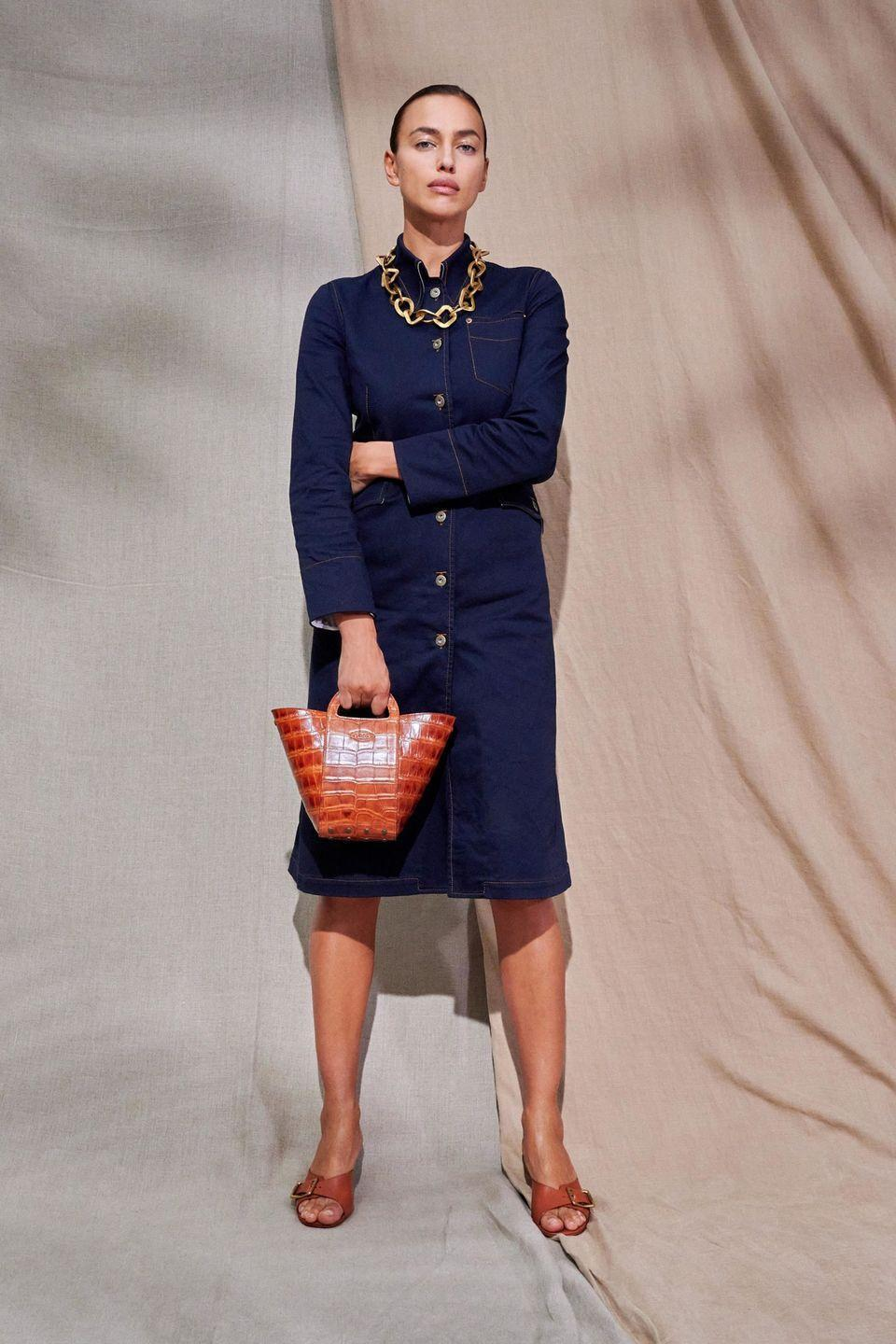 <p>Tod's creative director Walter Chiapponi was inspired by the outdoors for his latest collection. But not just any outdoors: the manicured grounds of Villa Necchi Campiglio—aka the incredibly elegant Italian Rationalist mansion in Luca Guadagnino's<em> I Am Love—</em>to be exact. So while we have the denims and khakis associated with long days spent outside, these looks have a decidedly polished Milanese vibe. It's rich but casual, a difficult to achieve balance that lands on target in louche white suiting, dark denim dresses, oversized leather jackets, and lace up boots. —<em>Kerry Pieri</em></p>