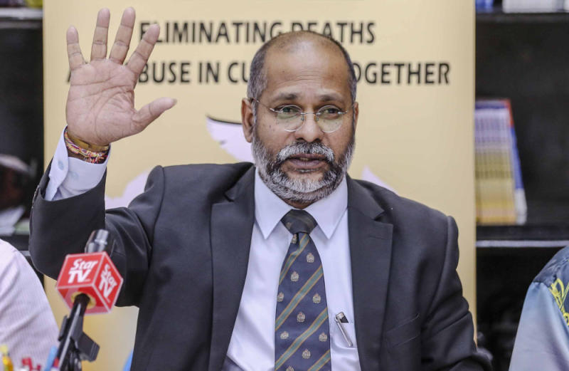 Lawyer M. Visvanathan speaks during a press conference at Suaram's office in Petaling Jaya August 15, 2018. — Picture by Firdaus Latif