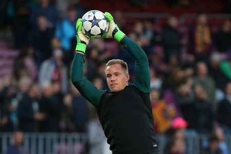 Barcelona's Marc-Andre ter Stegen warms up before the match. FC Barcelona v Juventus - UEFA Champions League Quarter Final Second Leg - The Nou Camp, Barcelona, Spain - 19/4/17  Reuters / Sergio Perez