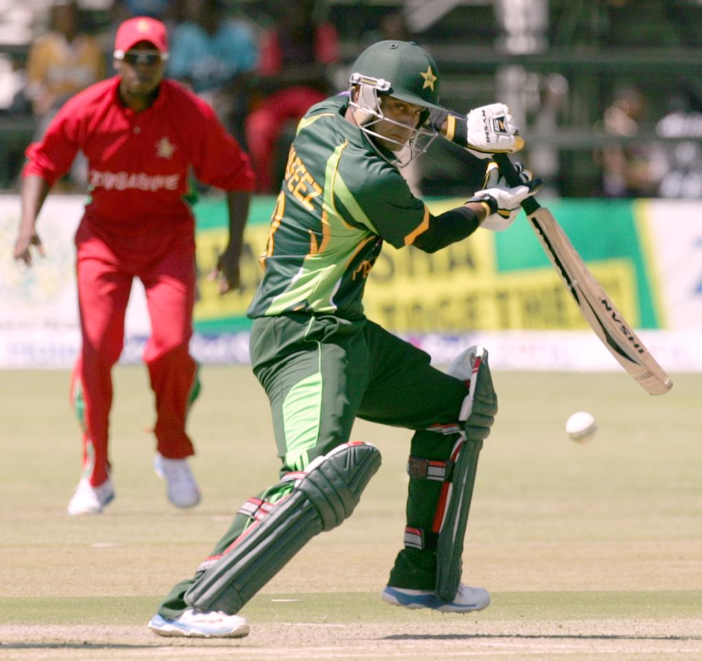 Pakistan batsman Muhammad Hafeez bats during the first game of the three match ODI cricket series between Pakistan and Zimbabwe at the Harare Sports Club August 27, 2013.AFP PHOTO / JEKESAI NJIKIZANA        (Photo credit should read JEKESAI NJIKIZANA/AFP/Getty Images)