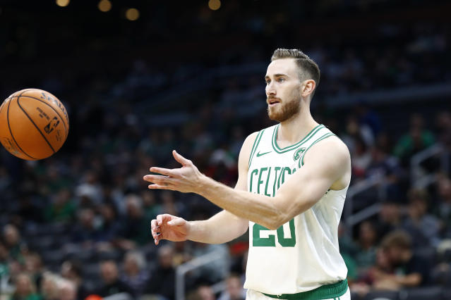 "<a class=""link rapid-noclick-resp"" href=""/nba/players/4724/"" data-ylk=""slk:Gordon Hayward"">Gordon Hayward</a> will undergo surgery for his hand. (Photo by Omar Rawlings/Getty Images)"