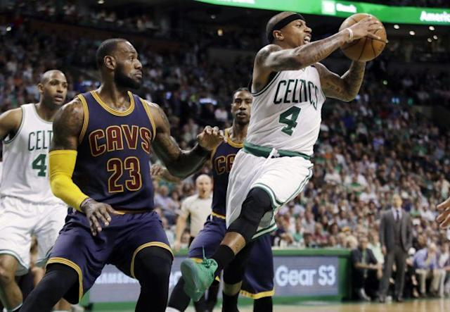"""<a class=""""link rapid-noclick-resp"""" href=""""/nba/teams/bos/"""" data-ylk=""""slk:Boston Celtics"""">Boston Celtics</a> guard <a class=""""link rapid-noclick-resp"""" href=""""/nba/players/4942/"""" data-ylk=""""slk:Isaiah Thomas"""">Isaiah Thomas</a> (4) missed the entire second half of Friday night's game against the Cavaliers due to a hip strain. (AP)"""
