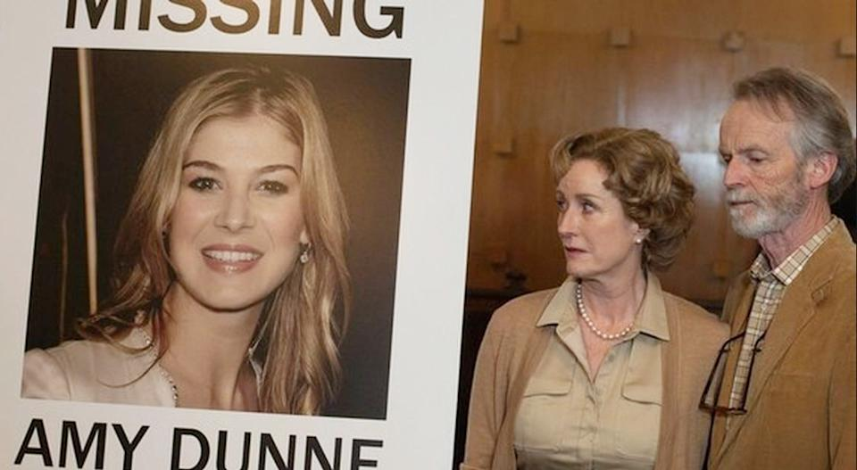 Lisa Banes as Amy's mother in Gone Girl