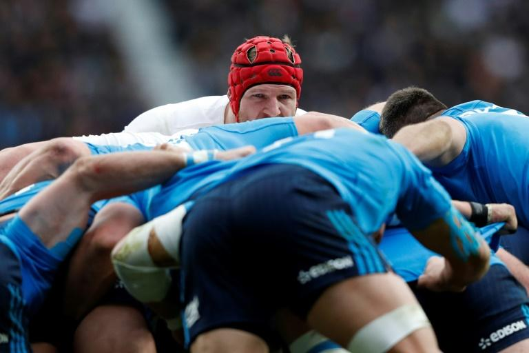 England's flanker James Haskell (C) watches over the scrum during the Six Nations match against Italy at Twickenham stadium on February 26, 2017