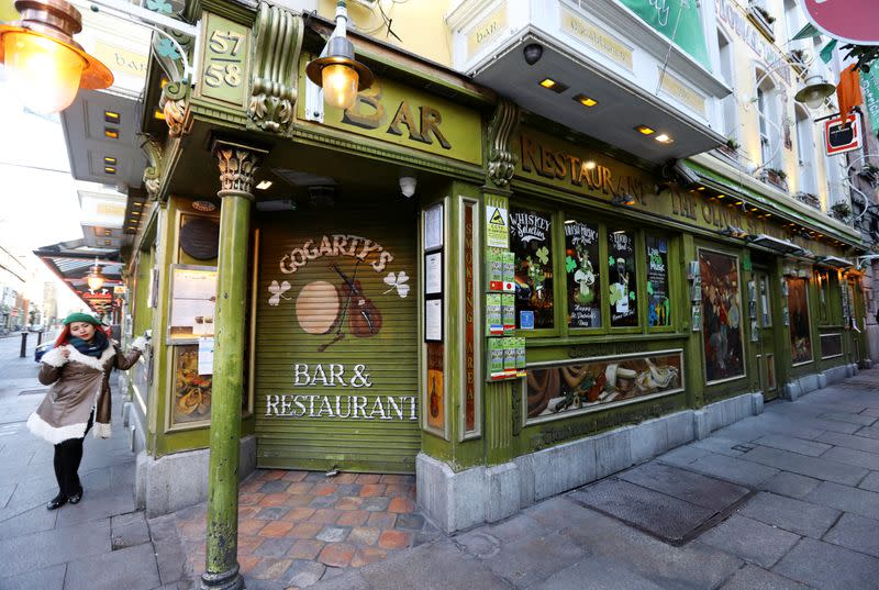 Last orders... Ireland closes all pubs on eve of St Patrick's Day