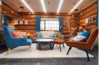 <p>A welcoming and atmospheric lounge for the singletons to begin their '24-hour date'.</p>