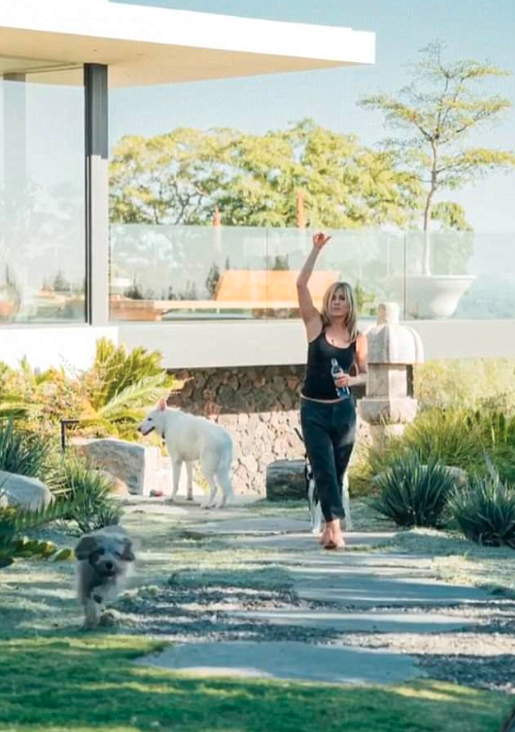 Jen admitted that there is nowhere else she'd rather be but home with her husband Justin and her two dogs. Source: Instagram