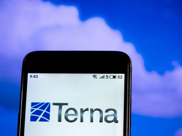 UKRAINE - 2019/07/11: In this photo illustration a Terna Energy logo seen displayed on a smartphone. (Photo Illustration by Igor Golovniov/SOPA Images/LightRocket via Getty Images) (Photo: SOPA Images via Getty Images)