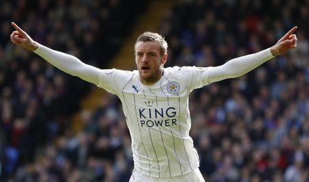 Britain Soccer Football - Crystal Palace v Leicester City - Premier League - Selhurst Park - 15/4/17 Leicester City's Jamie Vardy celebrates scoring their second goal Action Images via Reuters / John Sibley Livepic