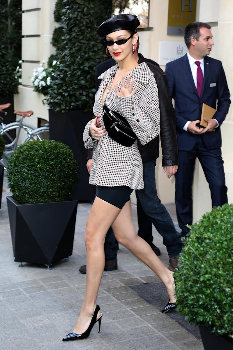 Bella Hadid leaves her hotel on September 27, 2017 in Paris, France. (Photo by Pierre Suu/Getty Images)