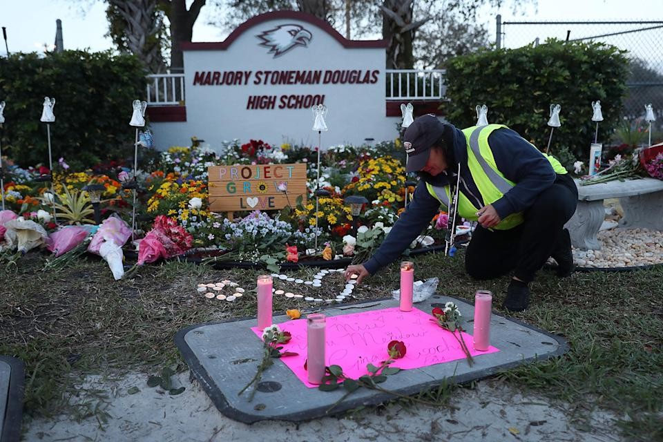 Fred Guttenberg's <span>14-year-old daughter, Jaime, was one of the 17 people killed in the mass shooting at Marjory Stoneman Douglas High School</span>. (Photo: Joe Raedle/Getty Images)