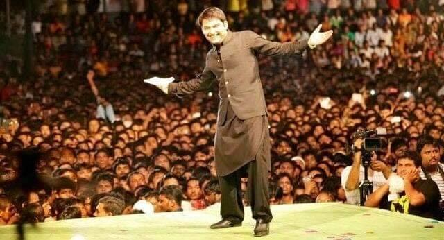 Those who have been following the celeb comedian since his days as a contestant in <em>The Great Indian Laughter Challenge </em>would recollect him with sparse hair, his humor wasn't in want nevertheless, and he went on to win the title. The funnyman has never looked back since and is, without a doubt, one of the most sought after comedians in the Indian scene. That his looks cute with a new set of gorgeous hair doesn't hurt either.