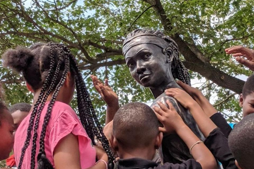 """Smith Playground summer campers meet """"MVP"""" for the first time. (Credit: Office of Arts, Culture and the Creative Economy, City of Philadelphia 2019)"""