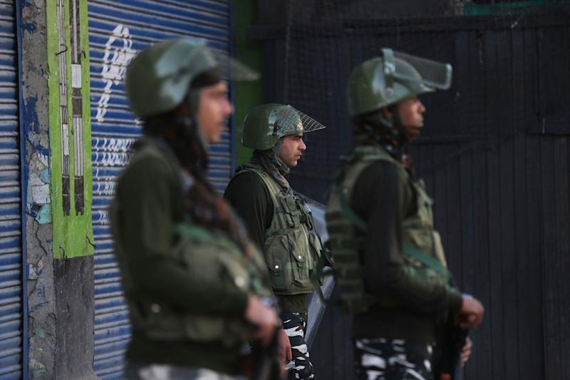 Indian paramilitary soldiers guard at a closed market in Srinagar, Kashmir, Wednesday, Aug. 21, 2019.  (Photo: ASSOCIATED PRESS)