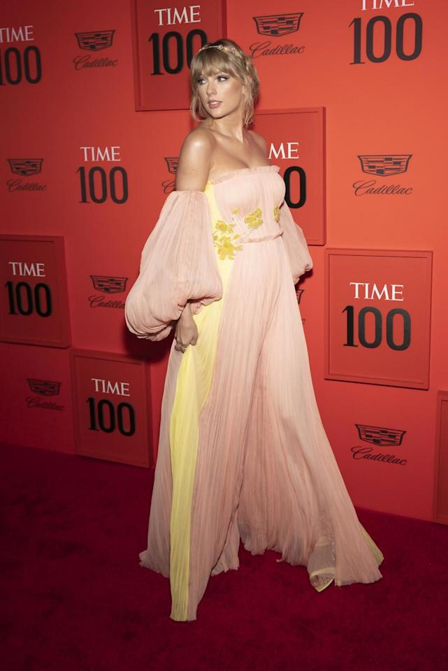 <p>Taylor Swift among the stars to hit red carpet for annual bash in New York </p>