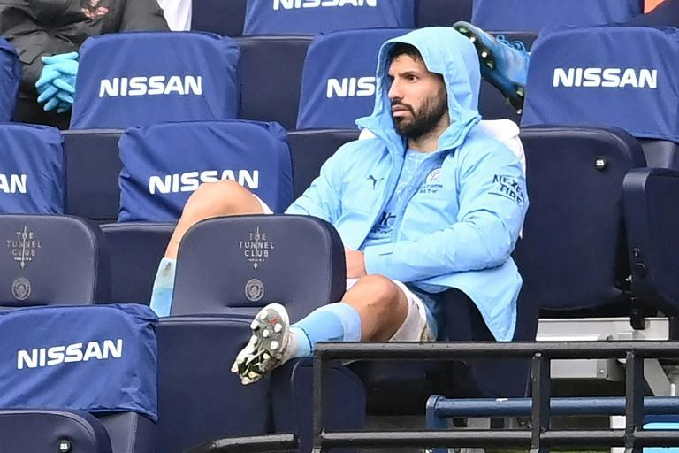 Sergio Aguero missed a penalty in Manchester City's 2-1 defeat by Chelsea