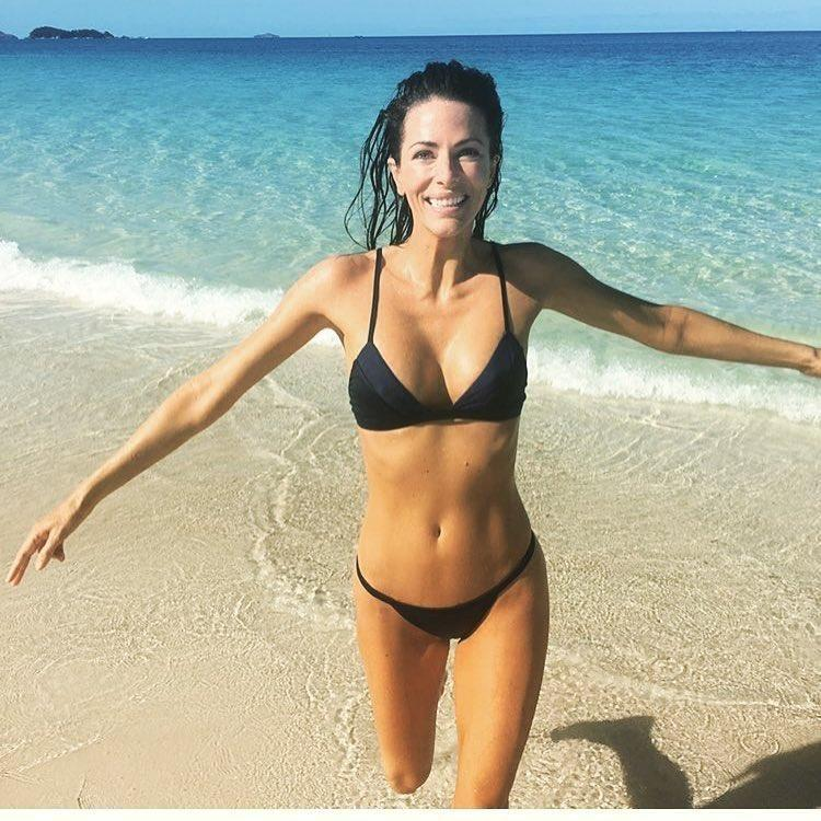 Aussie girl Esther Anderson is set to give birth in LA but she hasn't completely shut down the idea of coming back to Australia.Source: Instagram / Howard Moggs