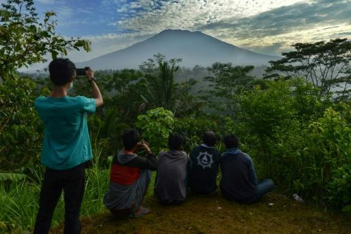 Nearly 50,000 flee amid fears of Bali volcanic eruption