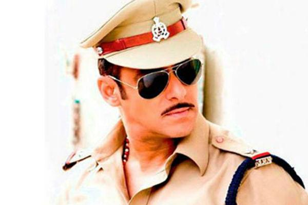 <b>2. Salman Khan/ Dabangg</b><br><br>His Chulbul Pandey act might've been mass friendly, there's no denying the fact that Salman Khan in uniform was also class-friendly.