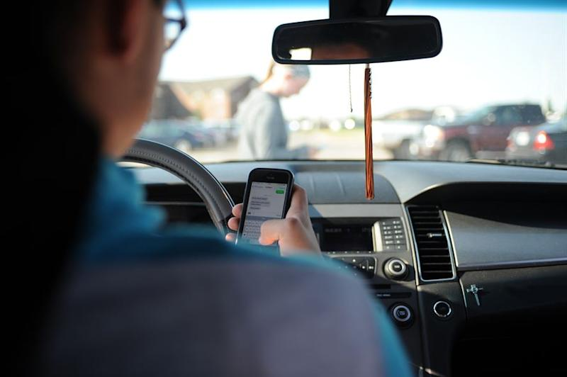 Massive Distracted Driving Study Finds Vast Majority Of People Drive While Using Phone