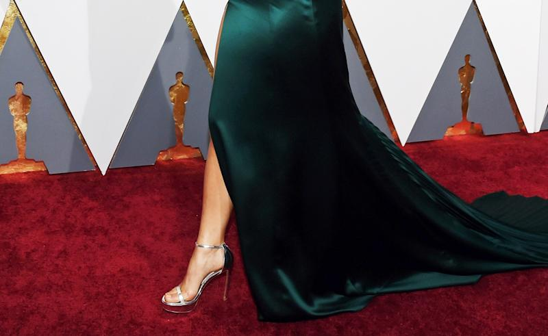 629dd68c4 Celebrities are using CBD for foot pain on the red carpet