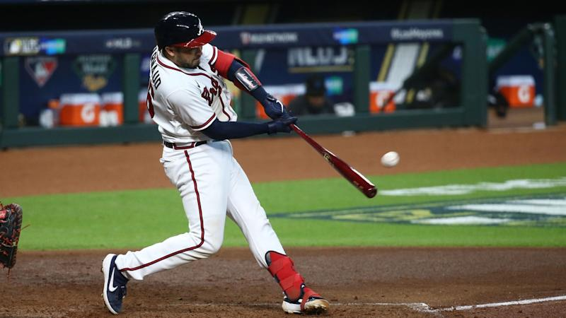 Travis d'Arnaud homers for Braves in NLDS