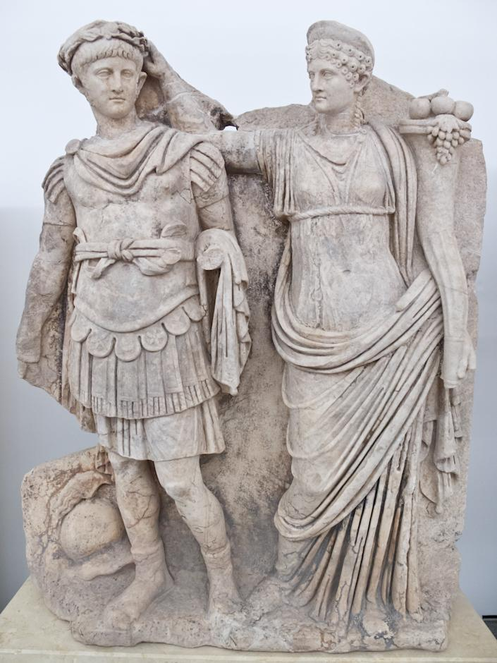 <p>Teenage power: In this Roman sculpture, Nero's mother is seen crowning her 15-year-old son Emperor. Just five years later, obsessed with power, the emperor she had created murdered her.</p>Carlos Delgado; CC-BY-SA
