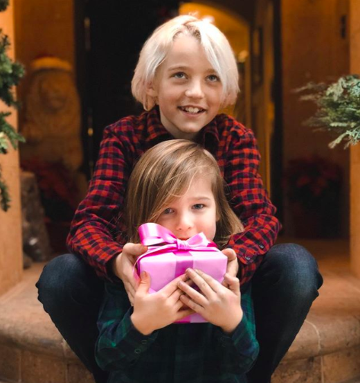 """<p>Throwing his hat into the baby announcement ring is Fall Out Boy's Pete Wentz, who called on his children, Bronx and Saint, to help make the declaration via Instagram with an adorable pink gift signifying it's a girl! """"We're kicking the year off with news of the best gift yet: coming to our family in 2018…"""" he wrote. Congrats to him and his girlfriend, Meagan Camper!<br>(Photo: <a rel=""""nofollow noopener"""" href=""""https://www.instagram.com/p/BdbrfcGge-W/?hl=en&taken-by=petewentz"""" target=""""_blank"""" data-ylk=""""slk:Pete Wentz via Instagram"""" class=""""link rapid-noclick-resp"""">Pete Wentz via Instagram</a>) </p>"""