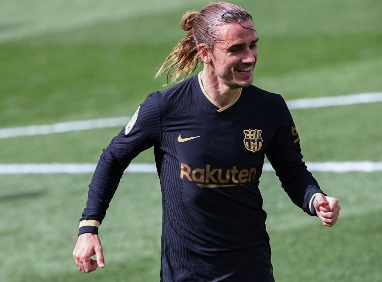 Antoine Griezmann scored both goals in Barcelona's come-from-behind win at Villarreal, and the Catalans are well-placed now to pip Atletico Madrid to the Spanish title