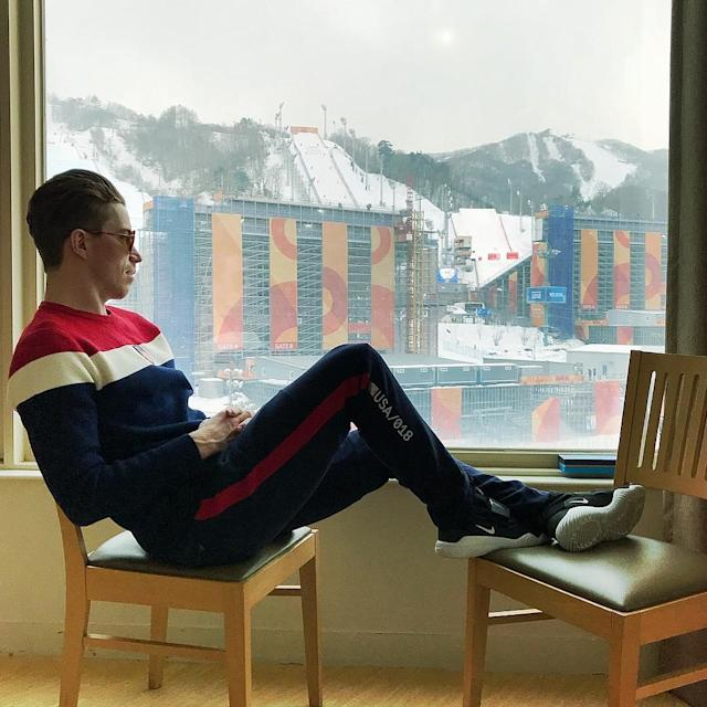 <p>Shaun White USA, snowboarding<br>shaunwhite: Sitting here on my day off watching @teamusa crush it! Excited for halfpipe Semi Finals tomorrow #Olympics (Photo via Instagram/shaunwhite) </p>