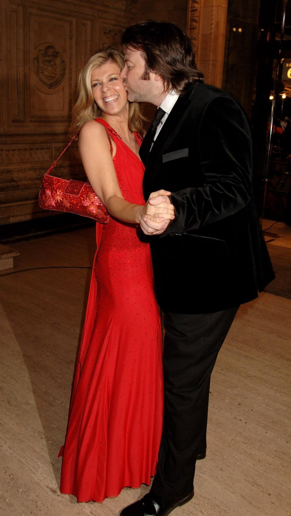 LONDON - OCTOBER 31:  (EMBARGOED FOR PUBLICATION IN UK TABLOID NEWSPAPERS UNTIL 48 HOURS AFTER CREATE DATE AND TIME)  Kate Garraway and her husband Derek Draper arrive at the National Television Awards 2007, at the Royal Albert Hall on October 31, 2007 in London, England.  (Photo by Dave M. Benett/Getty Images)